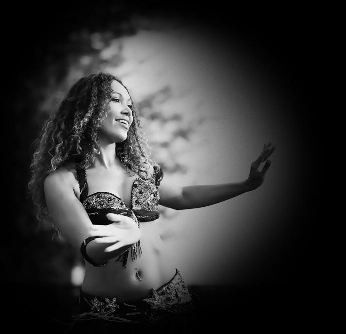 Danse orientale Bordeaux - Cours de danse et Spectacle