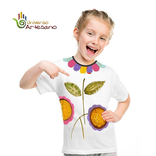 hand painted T-shirt | Girl design | Universo Artesano