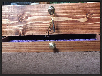 Hand made jewellery locking jewellery box