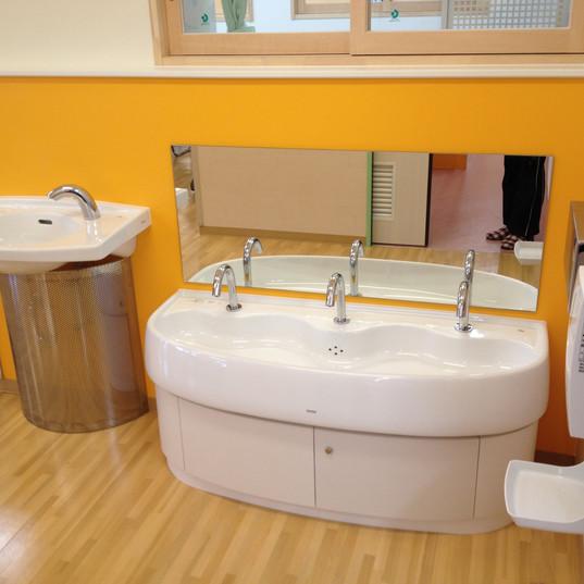 園児用手洗い場