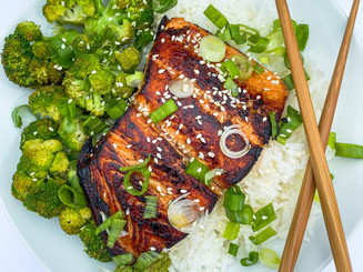 Quick & East Teriyaki Salmon Bowl + How to Make the Crispiest Salmon Ever!