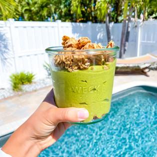 Lean Green Vanilla Protein Smoothie (vegan + gluten free + high protein)