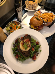 Tavolo: Grilled Coat Cheese Salad & a Burger!