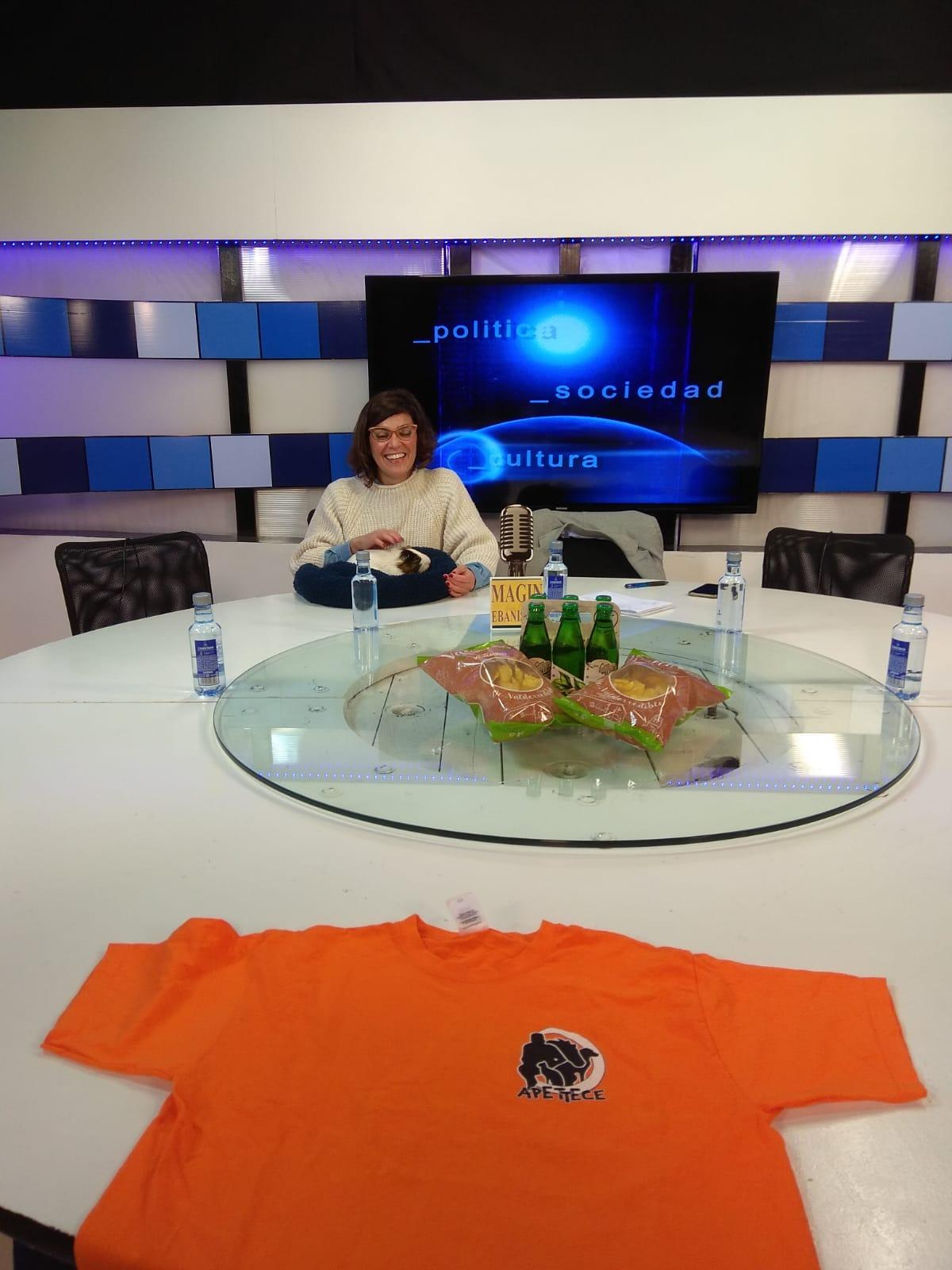 Veronica yb Tukupi en TV