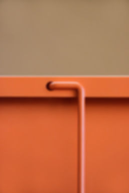 object picture of an orange metal piece of furniture by Marina Daguet Nathan Baraness Episode studio