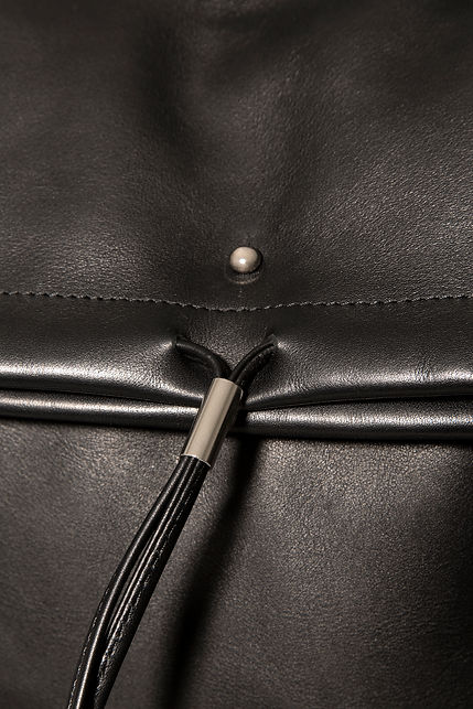design backpack bag for men black leather by Marina Daguet Nathan Baraness Episode studio Groom Studio