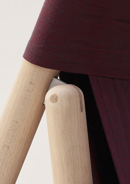 product comfortable design elegant folding chair wood and cotton fabric by Marina Daguet Nathan Baraness Episode studio