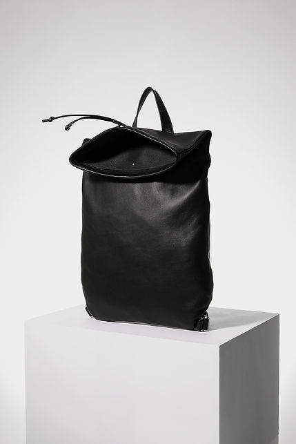 design backpack bag for men black leather by Marina Daguet Nathan Baraness Episode studio Groom Studios