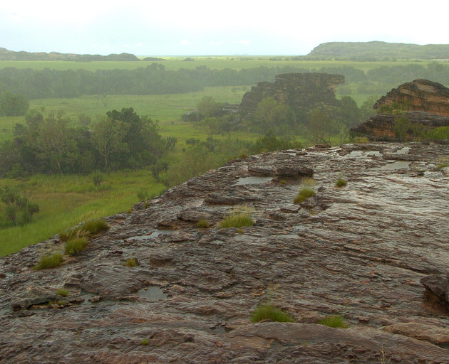Rain top of Ubirr No 3.jpg