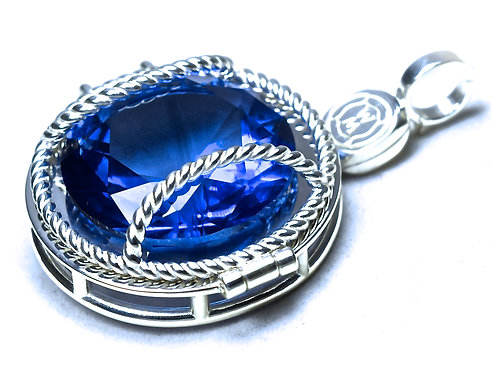 Double Magnum Locket with Enhancer ($550 USD)