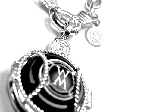 Magnum Chain Necklace with NV Locket