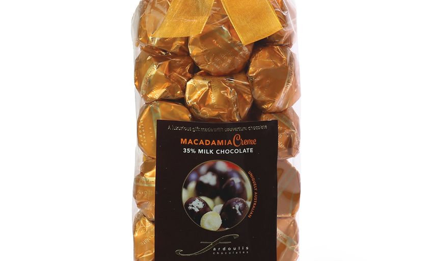 25 Macadamia Milk Chocolate Gift Bag 250g