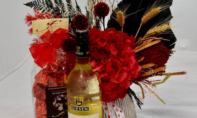 Sauvignon Blanc, Dry flowers and chocolate gift-pack