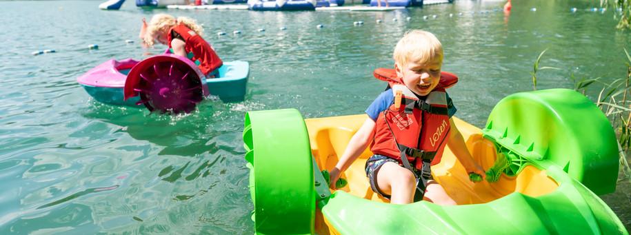 bateaux pour enfants famille aquaparc la roche de rame