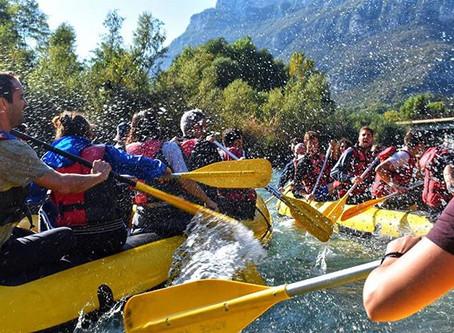 Discesa in rafting e grigliata in riva all'Adige