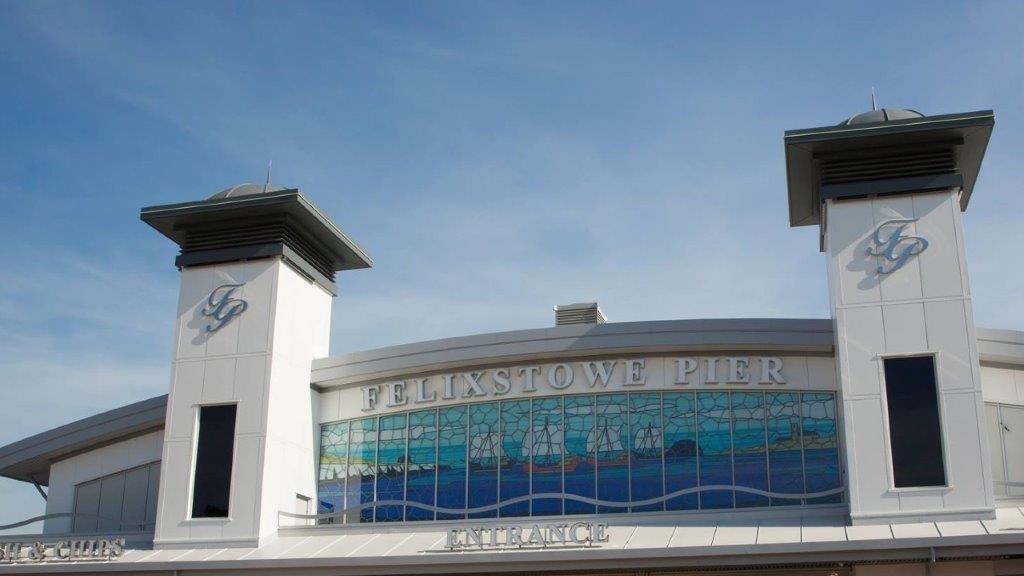 Felixstowe pier (1).jpg