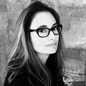 Dana Spiotta Author Photo _edited.jpg