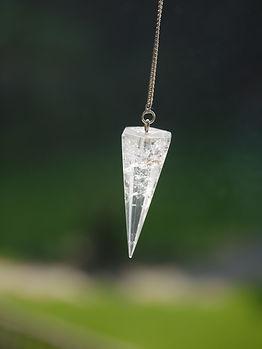 crystal-3516428_1920.jpg