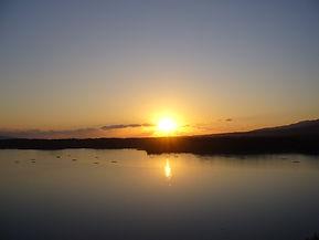加茂湖夕景・冬  加茂湖の夕日 牡蛎いかだ ランドスケープ