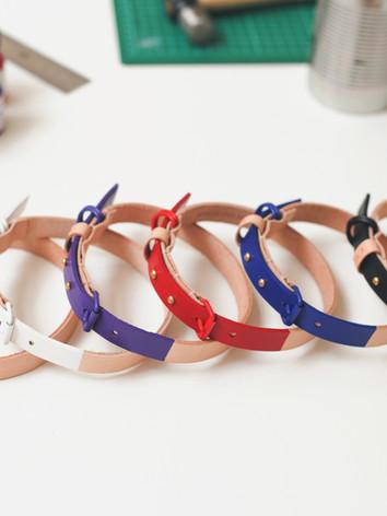 designer dog collars table