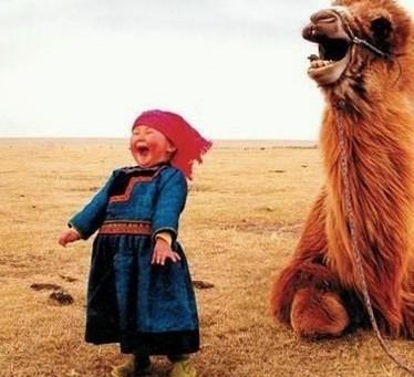 Avain AITOON onnellisuuteen. Riittääkö, et vaan feikkaa hymyn?