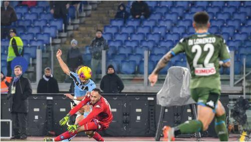 La Lazio gagne face à Naples sur une erreur de David Ospina