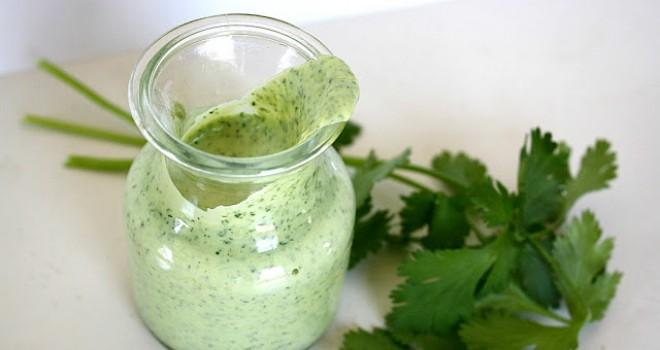 Aderezo de yogurt cilantro y menta