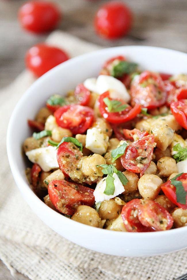 Ensalada de tomate y garbanzo
