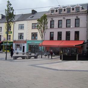 Cad is Baile Seirbhíse Gaeltachta ann?   What is a Gaeltacht Services Town?