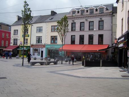 Cad is Baile Seirbhíse Gaeltachta ann? | What is a Gaeltacht Services Town?