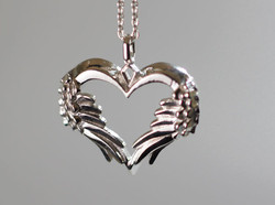winged-heart-pendant2