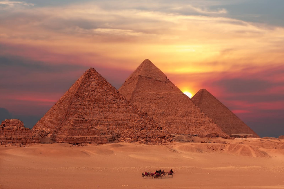 Beautiful-Sunset-View-OF-The-Egyptian-Py