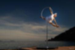 Free standing hoop, cerceau aérien, Tatiana Thomas, artiste de cirque et acrobate aérienne