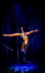 cerceau aérien, aerial hoop, Tatiana Thomas, artiste de cirque et acrobate aérienne