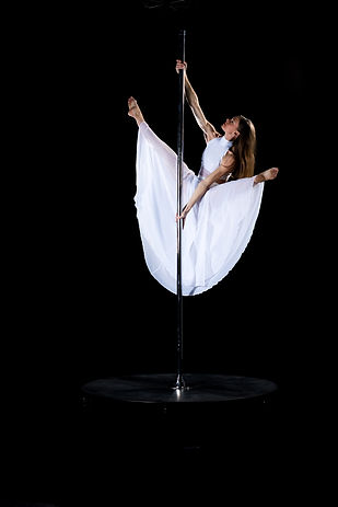 pole dance Tatiana Thomas