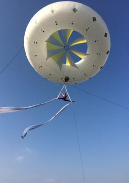 Tissu aérien sous ballon hélium