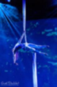 tissu aérien, aerial silk, Tatiana Thomas, acrobate aérienne et artiste de cirque