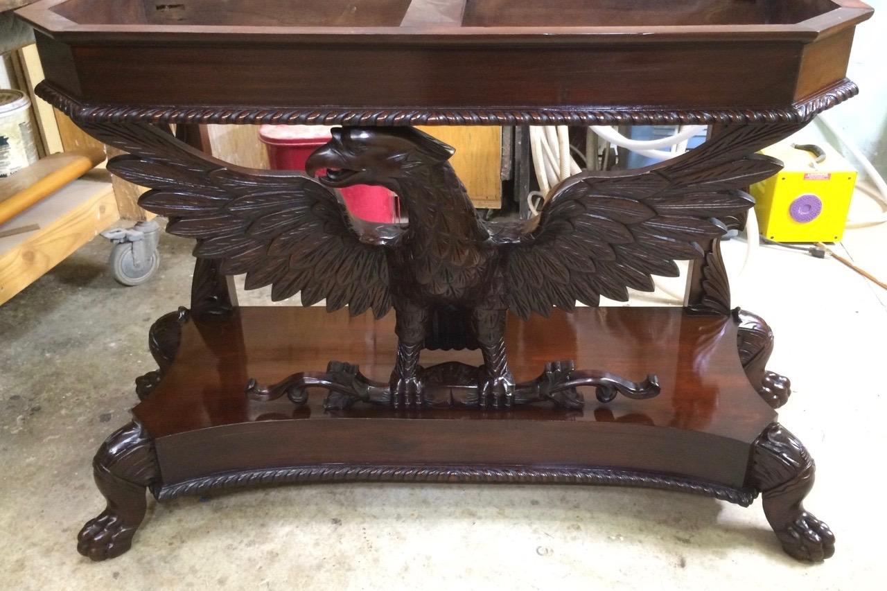 Eagle Table / French polish