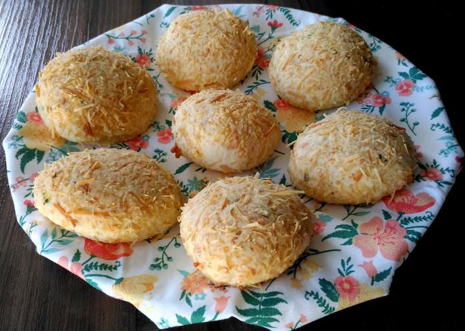 Pão de Queijo de Tapioca: sabor manjericão