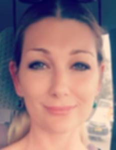 Lauren headshot new.PNG