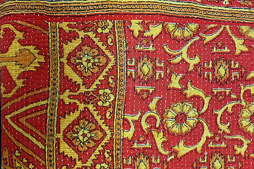 Exquisite Vintage Quilt - Red with Gold Borders/Print