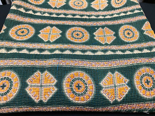 Exquisite Vintage Quilt - Greem with Yellow Pattern