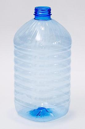 Бутылка пластиковая 4,5 литров