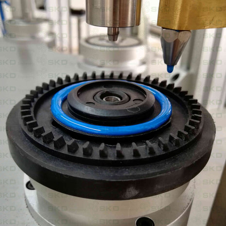 SKD Flexible Flap Disc Machine-Glue Application