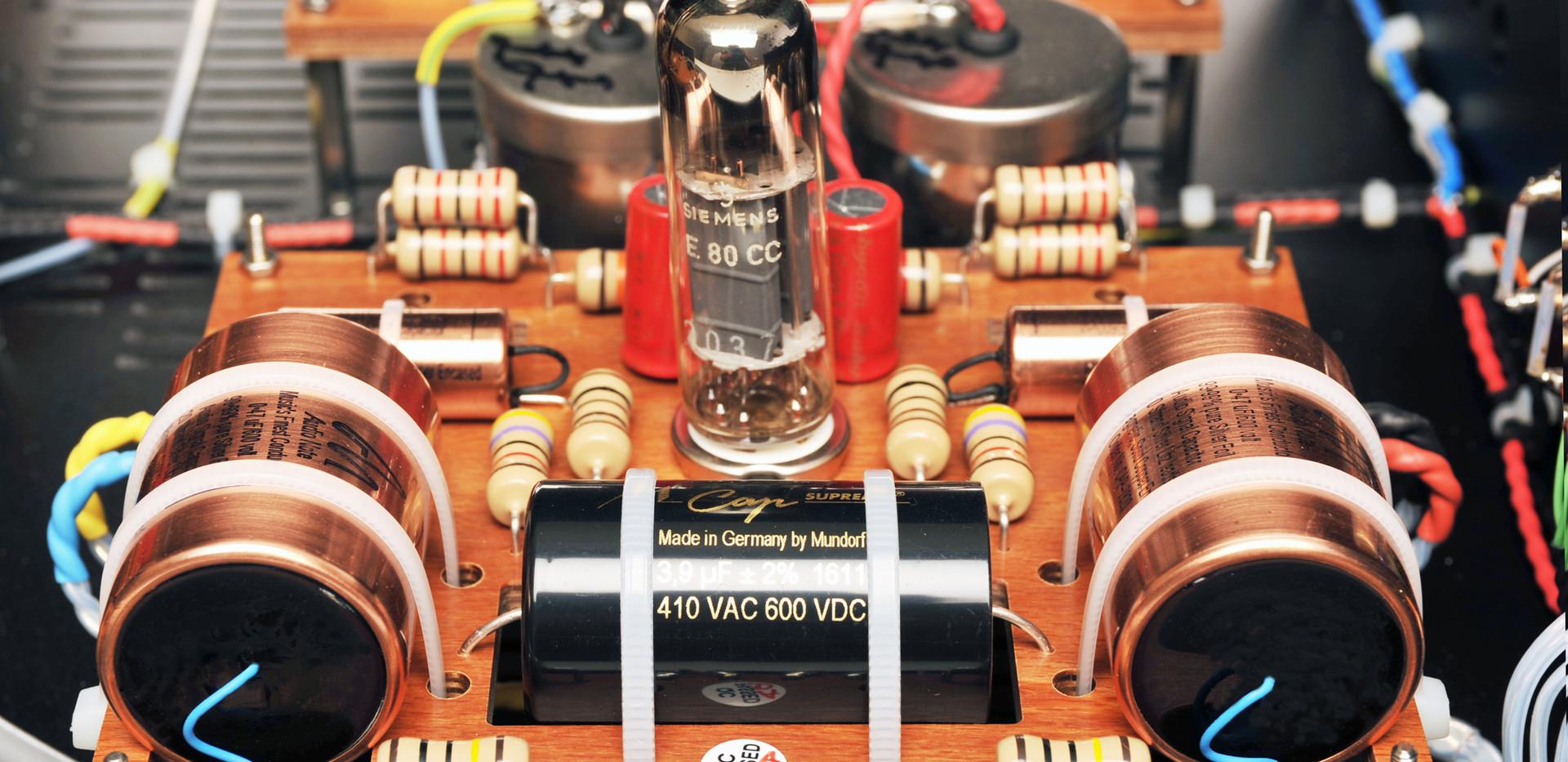 M9 RIAA Sig head unit internal 1 edit 1.