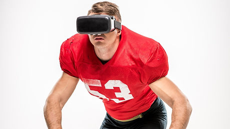 American%25252520football%25252520player%25252520in%25252520virtual%25252520reality%25252520headset%