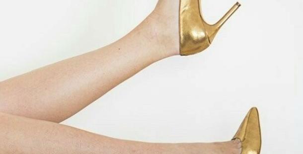 Scarpin Dourado