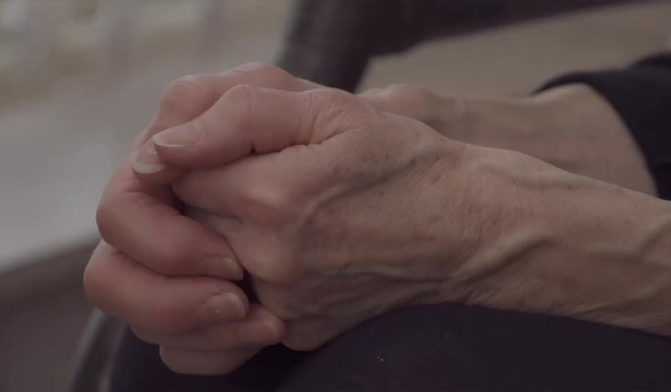 Homecare, assisting the elderly at home. Seniorcare, Dementia care, In homecare, HomeCare of Central Texas, Austin Texas, Bastrop Texas