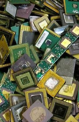 ceramic-cpu-processor-gold-scrap-amd-486