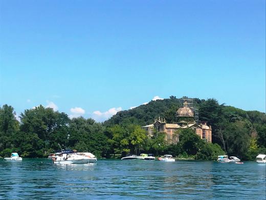 lago isola Bisentina.jpg
